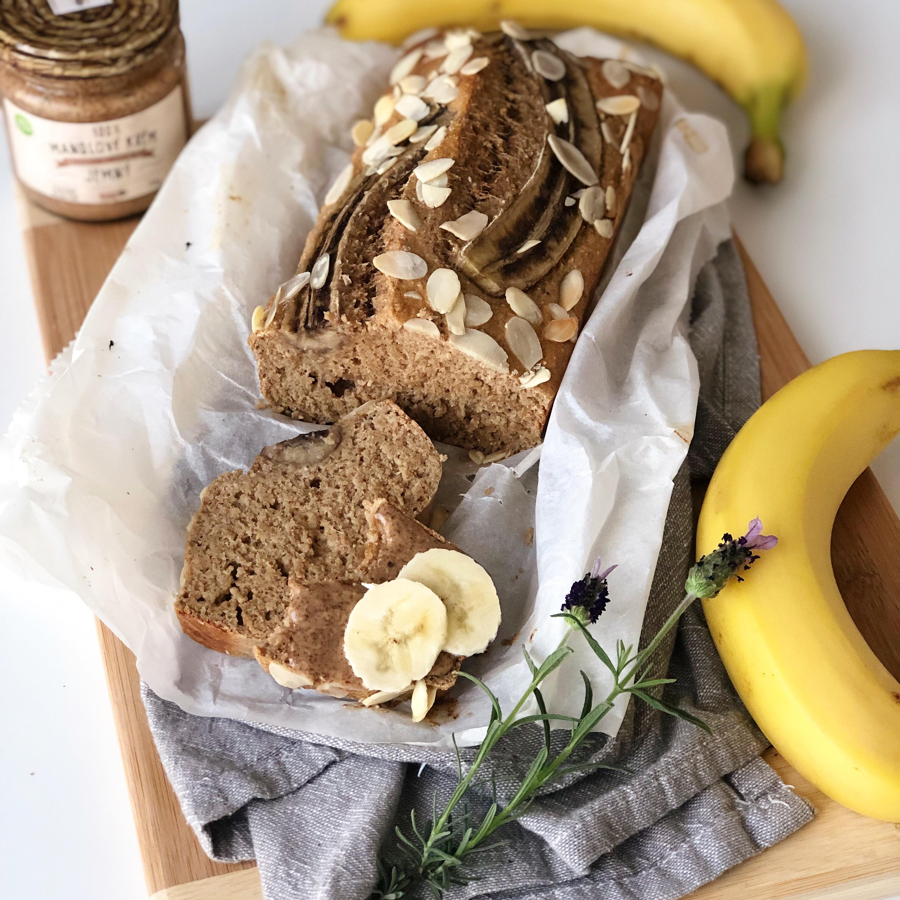 fit banánový chlebíček
