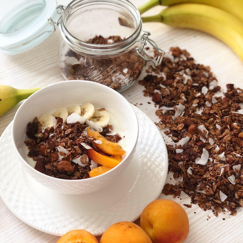 Zdravá čokoládová granola s kokosem
