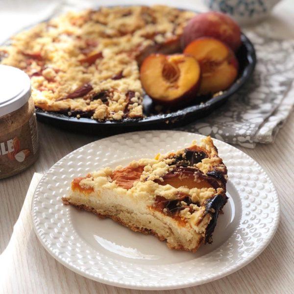 Špaldovo-tvarohový koláč s meruňkami a broskvemi 2