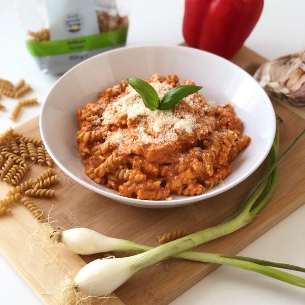 Těstoviny s krémovou ricottovo paprikovou omáčkou